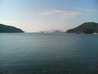 島を離れます。